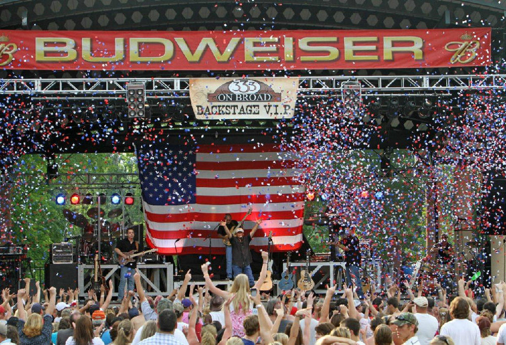 5 Essential Country Concert Tours for Tailgating in 2013 2