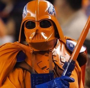 2012-12-06_kohn_superbowl-superfans_darth-bronco
