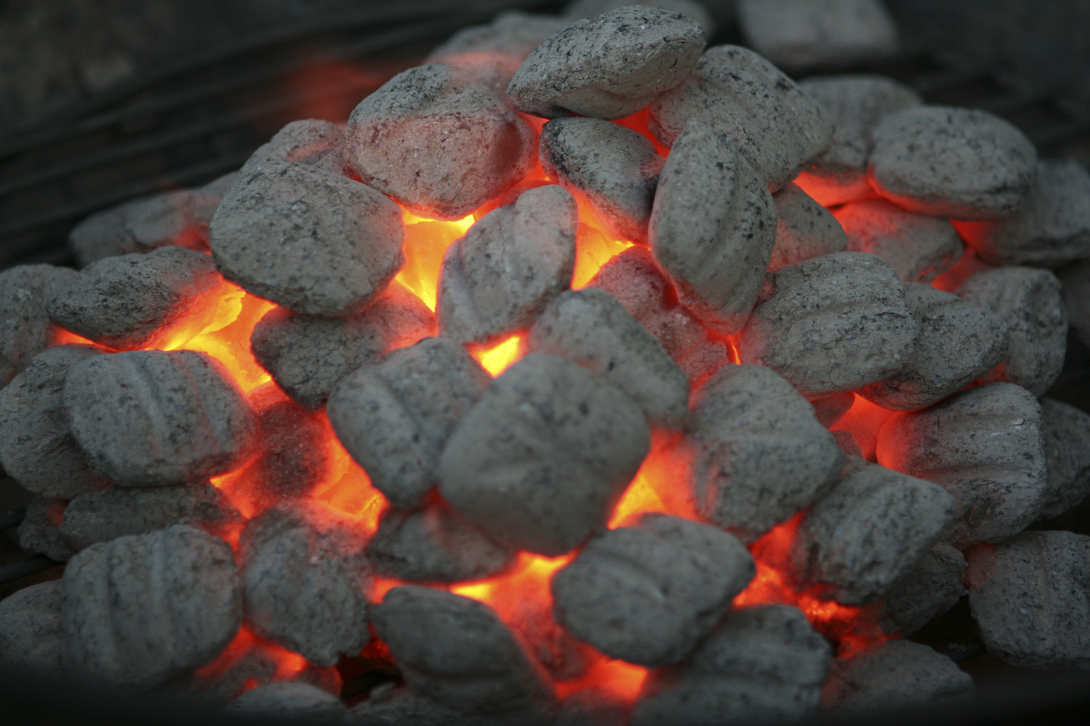 What Is The Best Charcoal - Inside Tailgating