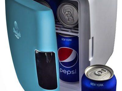 Mini-fridge scores big: one device can cool and heat 1
