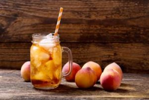 The Chipper Peach Sweet Tea Moonshine Cocktail
