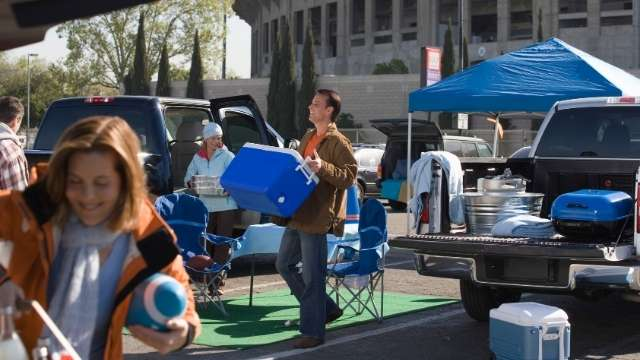 6 Essential Tailgate Items For Your Ultimate Party