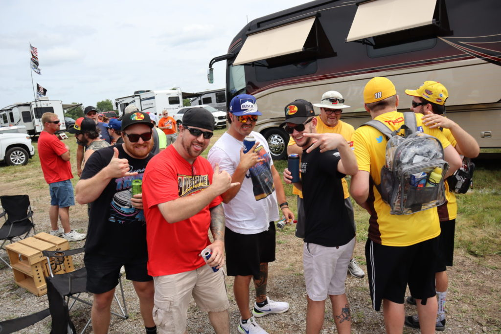 6 Nashville SuperSpeedway Tailgating Tips: Insider Guide and Highlights of the Ally 400 1
